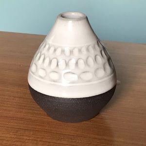 Small ceramic vase / reed oil diffuser
